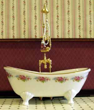 03.Reutter Dresden Rose Porcelain Bath