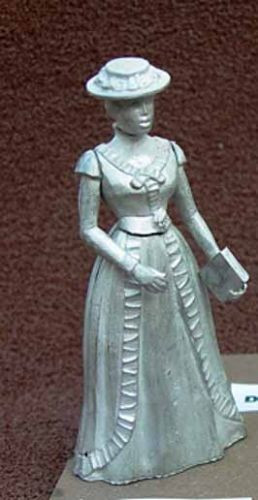 1/24th Scale Figure - Lady with Hat and Book